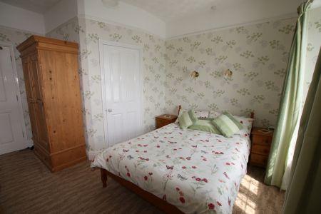Room 4_5.jpg