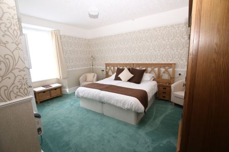 Room 2_2.jpg